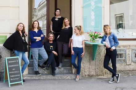die acht Frauen von STOSSIMHIMMEL