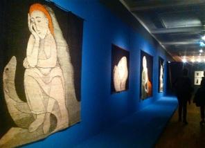 Impression aus der Ausstellung EXPRESSIVE BILDTEPPICHE Johanna Schütz-Wolff im GRASSI Museum für angewandte Kunst, Leipzig, Foto: SvG