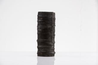 Anne Fischer, Gefäß aus Bronce, 30 x 14 cm, Bayrischer Staatspreis