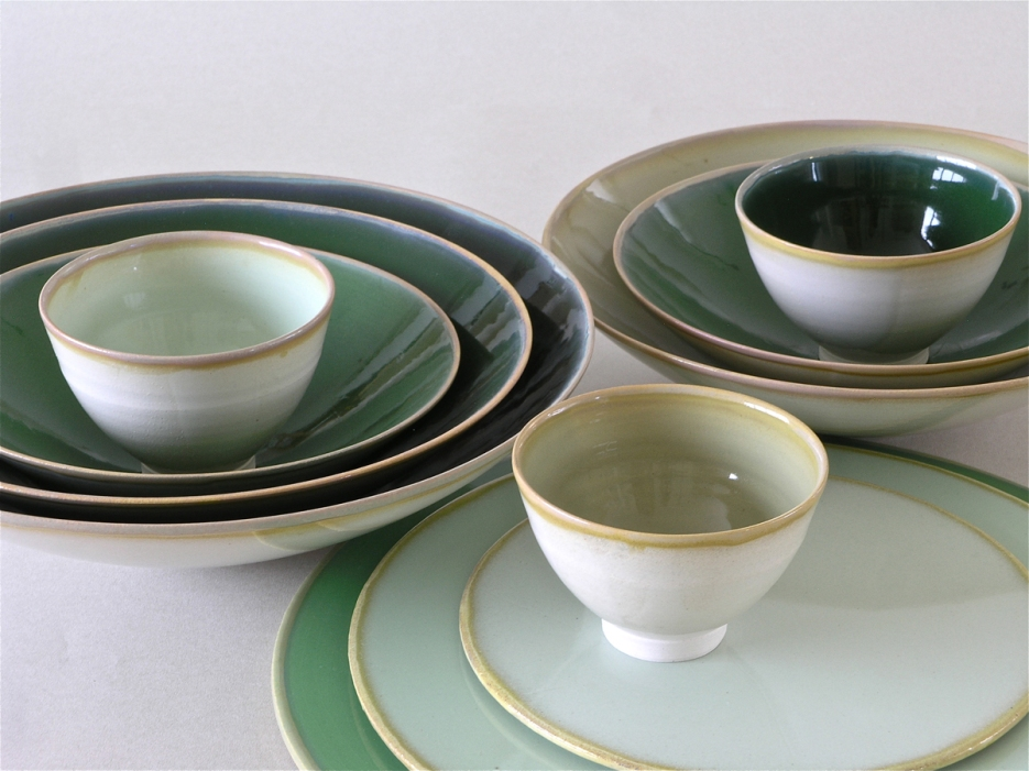 Barbara Butz - Platten und Schalen - Grau mit kühlen Farben