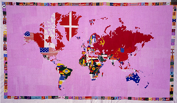 Alghiero Boetti, Mappa 1979, Stickerei auf Tuch, cm 130 X 230