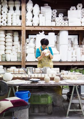 Pottery workshop. Photography Kenta Hasegawa