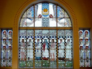 """Otto Wagner - Kirche am Steinhof, Detail Bleiglasfenster """"die geistigen Tugenden"""", Foto: schnuppe von gwinner"""