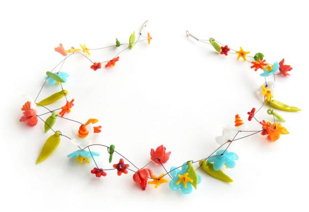 Andrea Borst - Glasblütenkette Foto: schnuppe von gwinner
