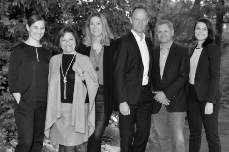 Stefanie Böhm, Marketing | Nadine Vischer Klein, Co-Founder/Exhibitor Relations | Dorothée Schiesser, Communications/Coordination Special Projects | Wendelin Lang, Show Management | Anthony G. Vischer, Founder/Chairman | Andrea Schorro, Partnerships (v.l.n.r.)