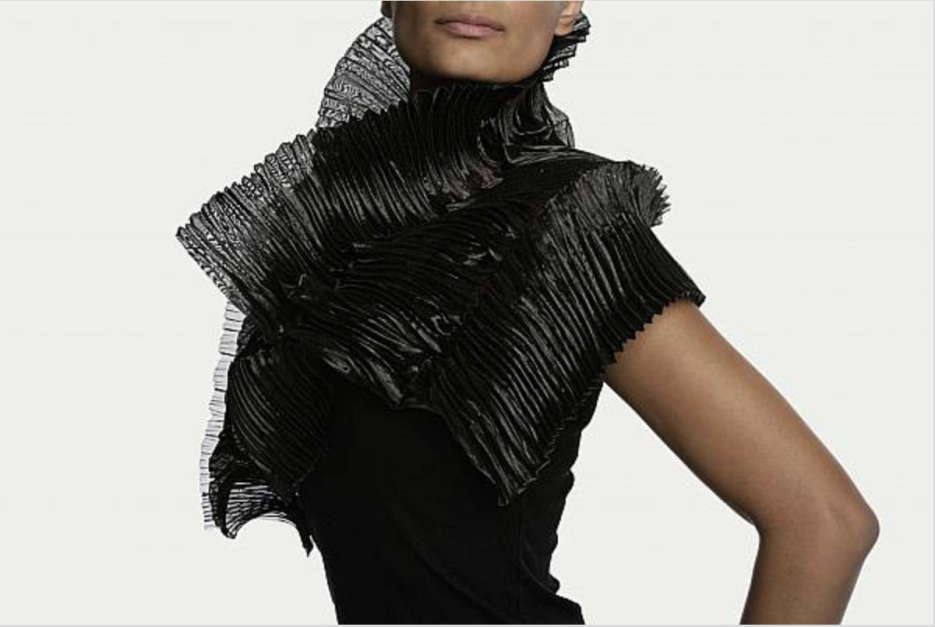 Thea Bjerg - Sculptural Scarf
