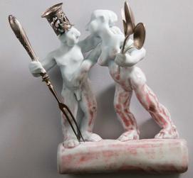 Porzellanfiguren und -gefäße von Katharina Bertzbach