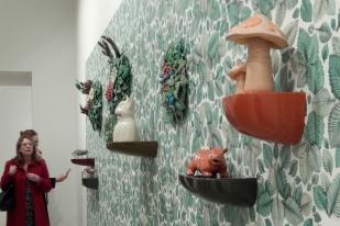 Malene Hartmann Rasmussen: Troldesvoven (in the Troll Wood), Keramik und Digitaldruck