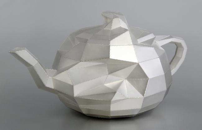 Eelco Veenman. Objekt 'The Utah Teapot. dented-distorted'. 935 Silber. 2016. Foto Eelco Veenman