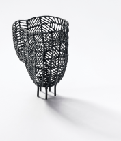 Anna Vlahos. Vase 'Amphor - black'. Sterlingsilber. 2016. Foto Giorgos Vitsaropoulos