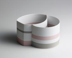 Karin Bablok, zwei Kammer Gefäss, farbig