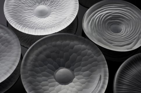 Vezzini and Chen - ihre Arbeiten werden sich von Wasserreflektionen und natürlichen Strukturen inspirieren lassen