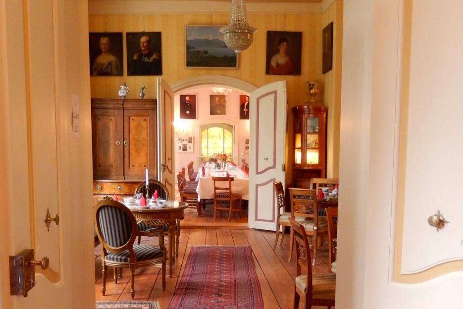 Schloss Wolfshagen Prignitz - Enfilade Salon, Café | Foto: Schnuppe von Gwinner