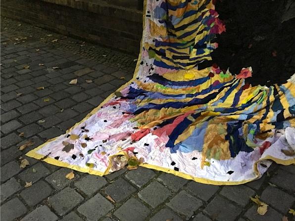 Rebecca Rauschhardt: Vom großen Fressen oder der Beweis, Größe: 3,70 Meter x 4,08 Meter - Detail Foto: Schnuppe von Gwinner