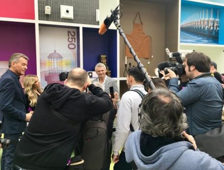 Presseauflauf am Gaststand der Niederlande | Foto: Schnuppe von Gwinner