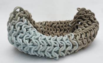 Cecil Kemperink: rolling, 70 x 70 x 20 cm, Keramik, montiert
