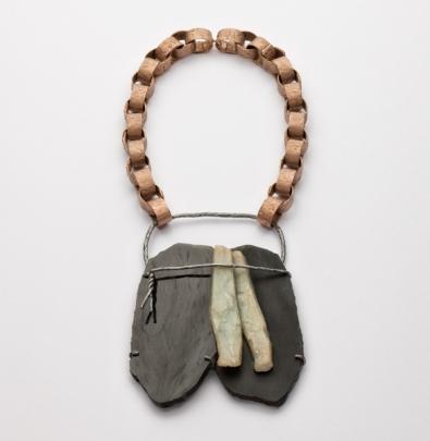 Iris Bodemer, Halsschmuck, Bronze, schwarze Jade, Andenopal, Silber