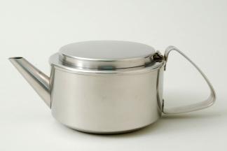 Teekanne, Christa Petroff- Bohne (Entwurf), VEB Auer Besteck- un